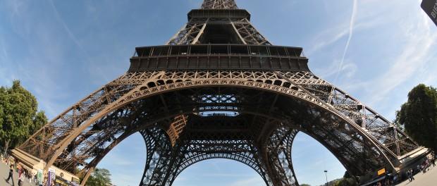 Szélkerék forog Párizs jelképén